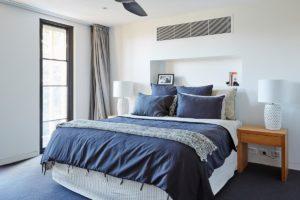 Виды крепежа, используемого в спальне