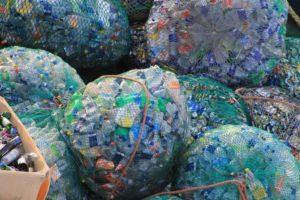 ИКЕА ускоряет темпы переработки полиэстера