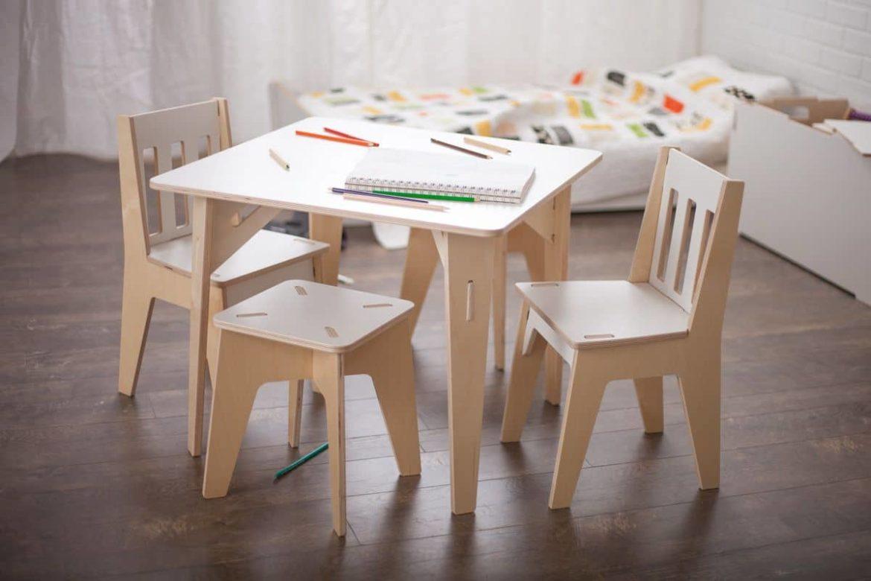 Письменные столы для детских комнат