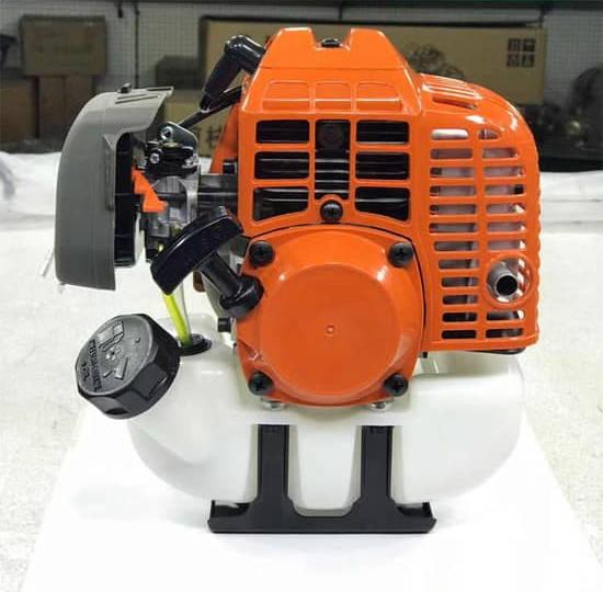 Типичный двигатель для бензиновых газонокосилок