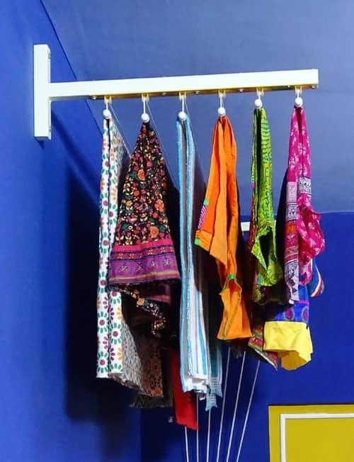 Существуют разные приспособления для сушки одежды