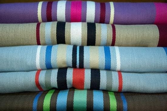 Присмотритесь: ткани имеют различные типы плетения